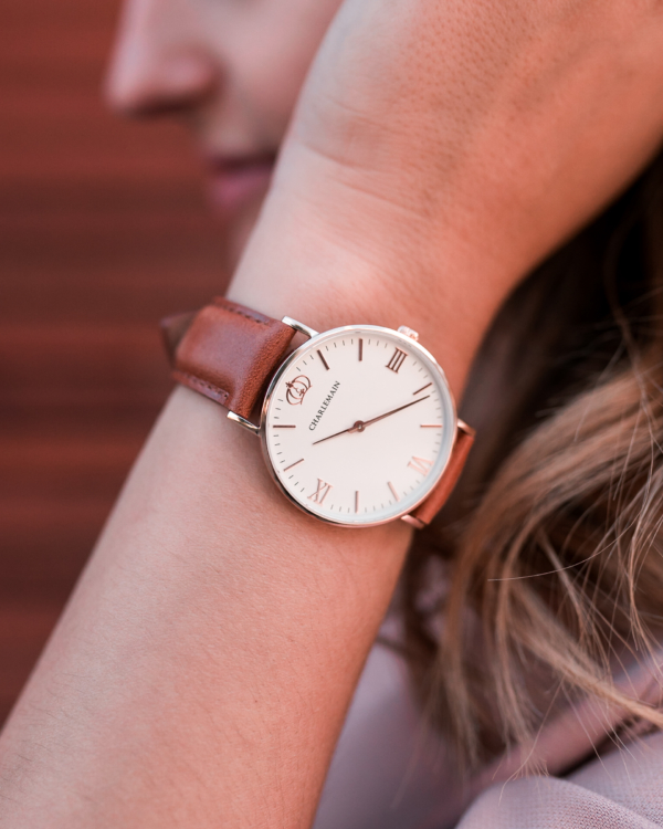 Cultus-36mm-Rosegold-White-Leather-Brown-Lifestyle-3