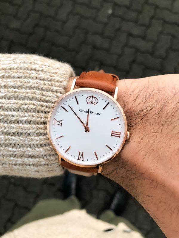 Cultus-40mm-Rosegold-White-Leather-Brown-Lifestyle-1
