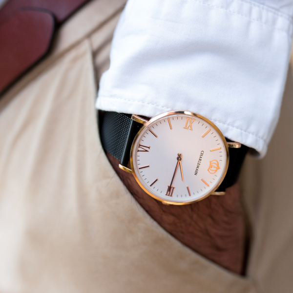 Cultus-40mm-Rosegold-White-Mesh-Black-Lifestyle-1